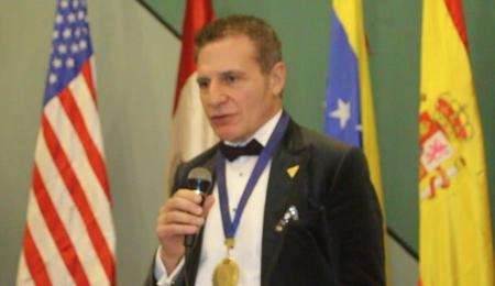 Известный врач  Альберто Лахо приветствовал участников Всемирного симпозиума поохране здоровья